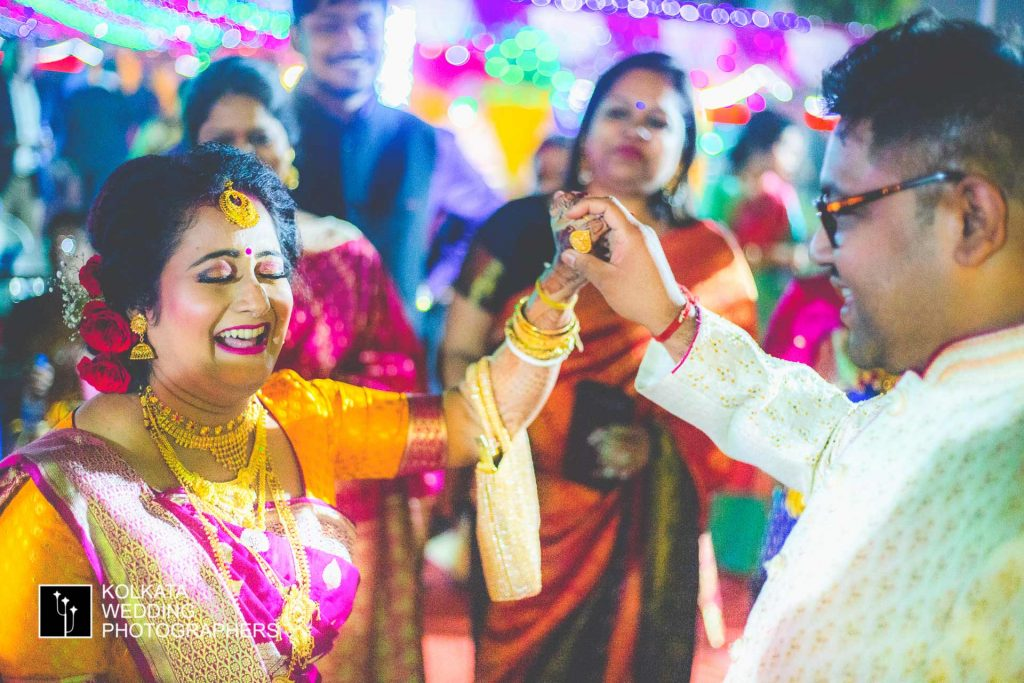 candid marriage photography